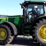 Трактор Джон Дир