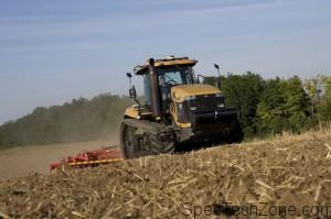 Трактор Челенджер MT800C