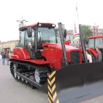 Гусеничный трактор Беларус 1502