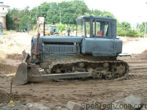 Гусеничные тракторы ДТ