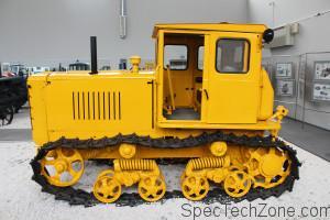 Гусеничный трактор ДТ-54