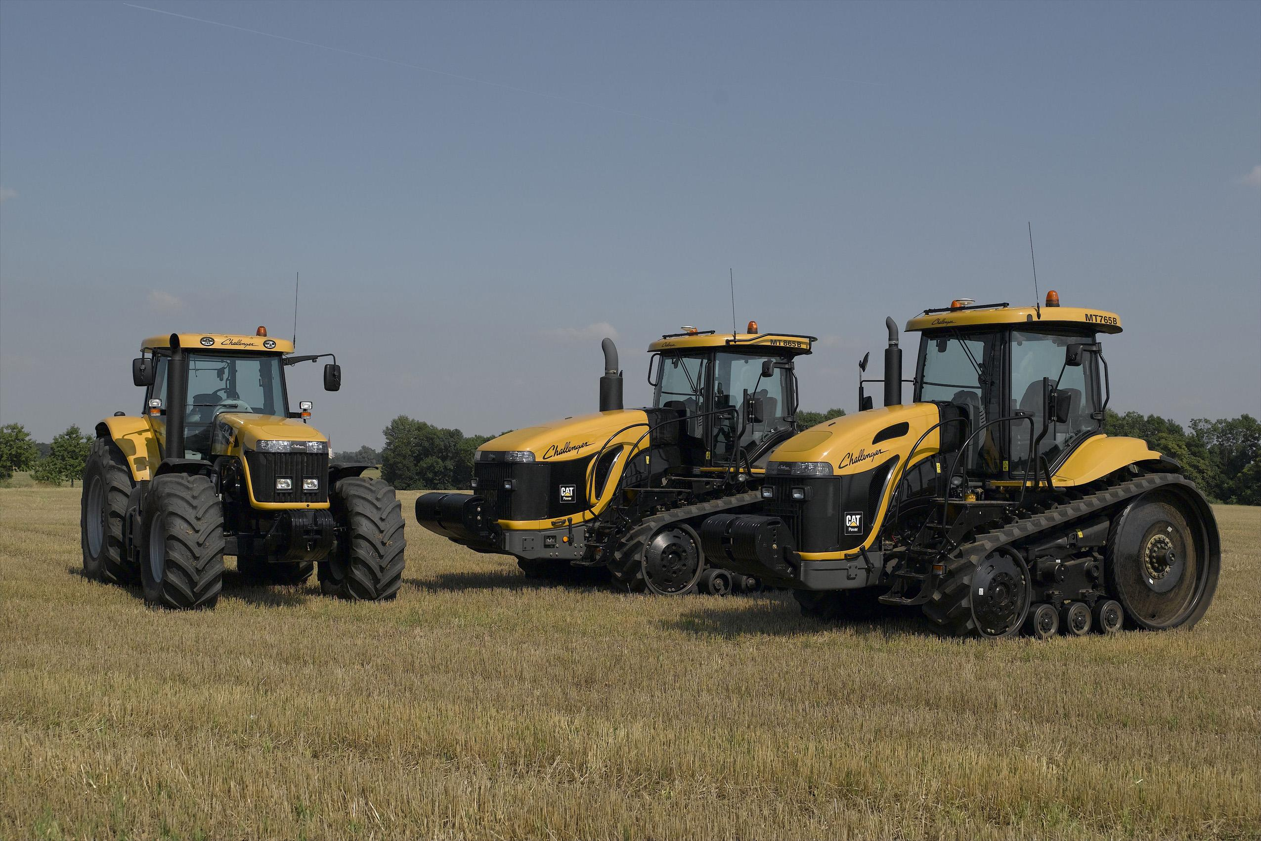 гусеничных фото тракторов всех