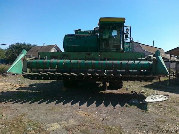 Зерноуборочный комбайн Дон 1500