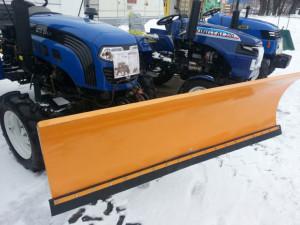Минитрактор для чистки снега