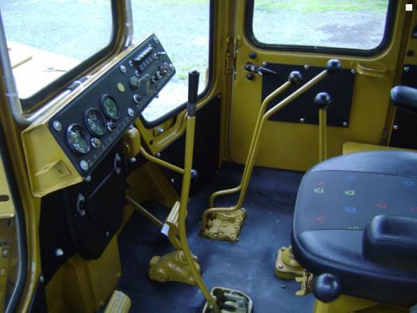 Бульдозер Т 130 кабина