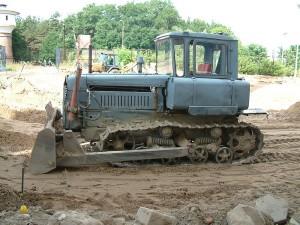 Дизельный трактор 75