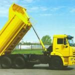 КАМАЗ самоссвал 65115 с поднятым кузовом