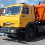 Седельный КАМАЗ тягач 65116 с прицепом