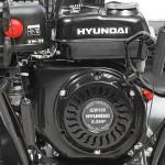 Бензиновый снегоуборщик HYUNDAI S 5560 крупным планом