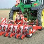 Сеялка овощная точного высева пневматическая в работе