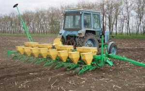 Система контроля высева семян Дарина-У на сеялке MS 8 в работе