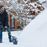 Снегоуборщик Stiga ST 1131 E за работой