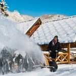 Снегоуборщик Stiga ST 3256 P в работе