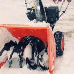 Бензиновый снегоуборщик Prorab GST 65 ELV в работе