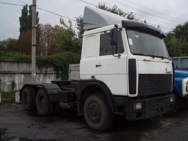 МАЗ-64229 белый