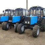 Трактор МТЗ 892 три рядом