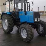 Трактор МТЗ 892 сбоку