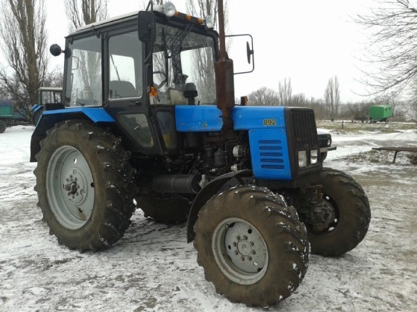 Трактор МТЗ 892 зимой
