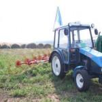 Трактор ХТЗ-3512 в работе