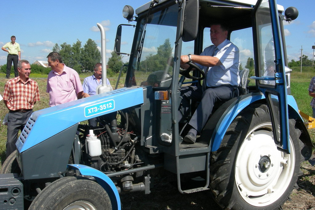 Машина уборочная Беларус на базе трактора МТЗ-82