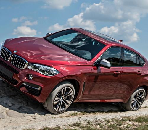 BMW X6 M-po-bezdorojnum-proselkam