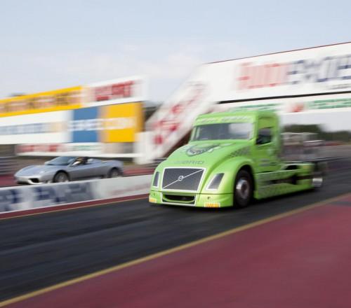 Volvo-Mean-Green-gonochnaja-trassa