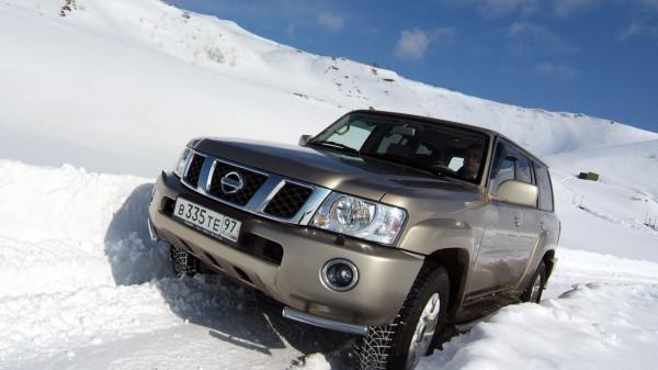 Nissan Patrol по снегу