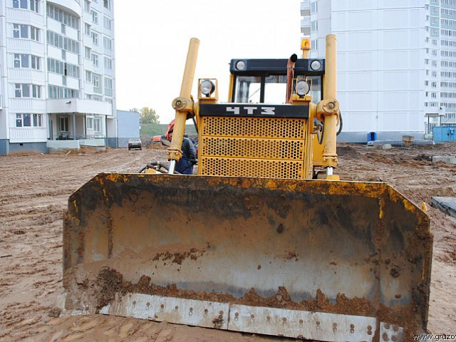 traktor-b10m