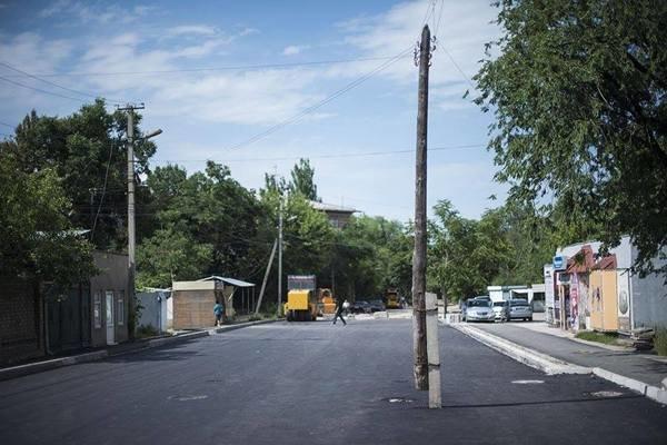 Бишкек абстракционизм, асфальт, дичь, неожиданно, новые технологии, сделано с душой, сюрреализм, укладывают асфальт