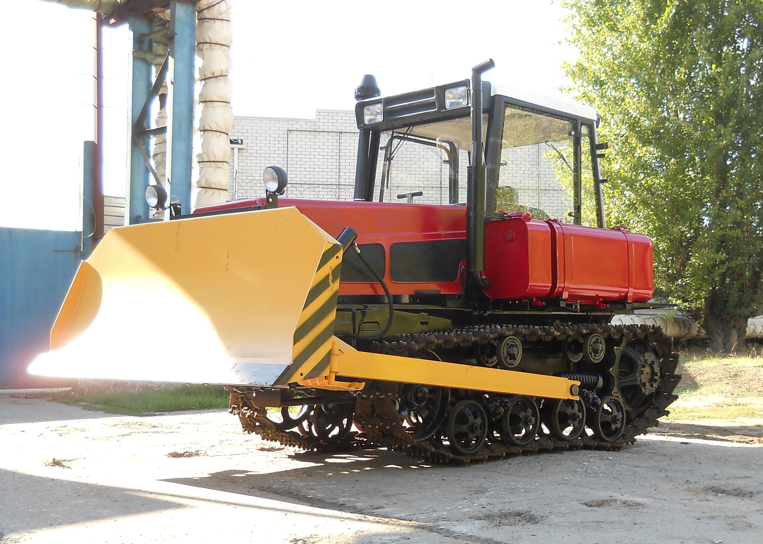 Новая версия бульдозера ДТ-75