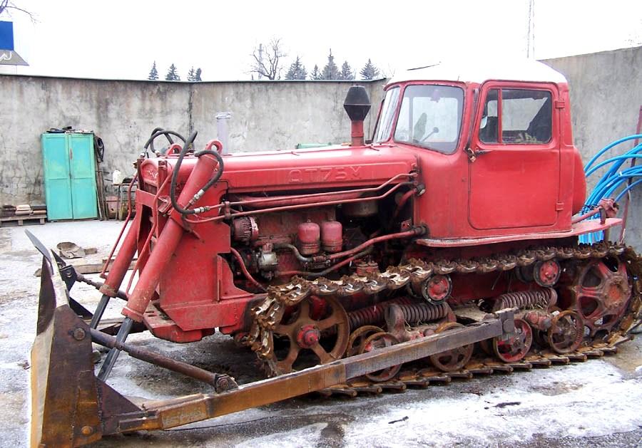 Бульдозер ДТ-75 старого выпуска