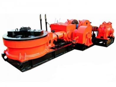 Рис.9. Установка для роторного бурения водяных скважин в малогабаритном исполнении