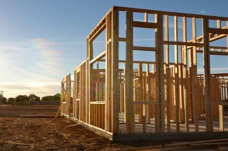 Стройплощадка в сумраке — стоковое фото