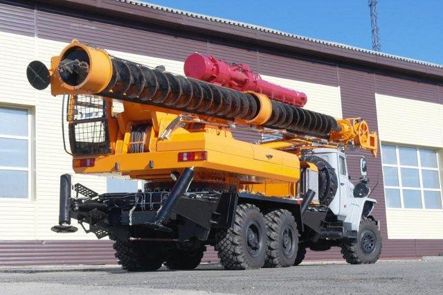 Бурильно-сваебойная машина БМ-811