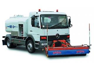 Характеристики, особенности и устройство поливомоечной машины МК-6 на 6000 л