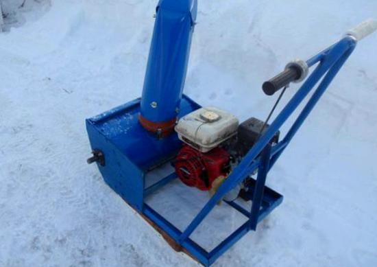 насадка на триммер для уборки снега