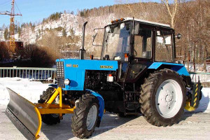 Фото: Отвал коммунального типа для трактора МТЗ